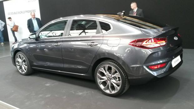 Aumenta la familia del Hyundai i30, con un fastback y un ...