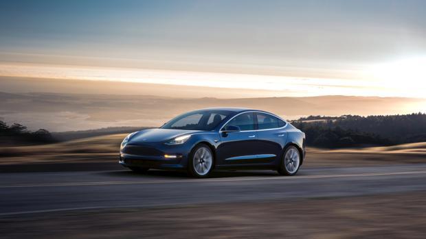 Tesla ha diseñado Modelo 3 con vistas al consumidor medio y lograr ventas masivas