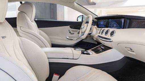 El interior del Coupé es amplio y elegante