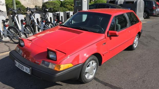 Este Volvo 480 ES Cupé de color rojo estuvo en manos de Don Felipe desde 1986 hasta 1988