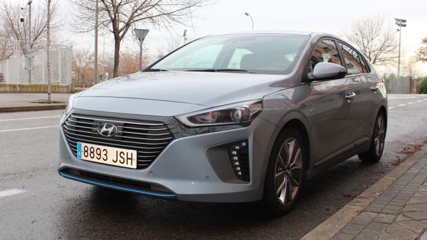 Al Volante Del Hyundai Ioniq Hybrid La Alternativa Real
