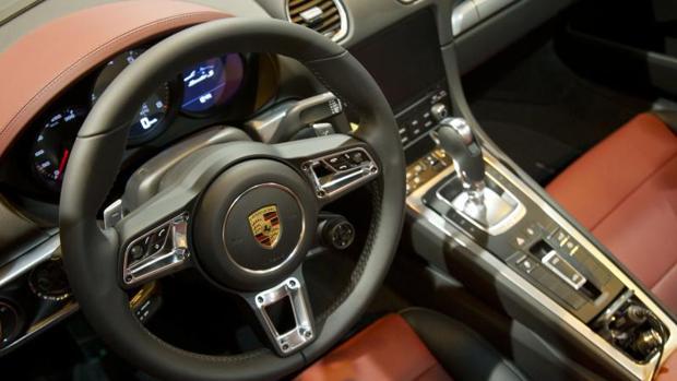 Imagen interior de un vehículo Porsche