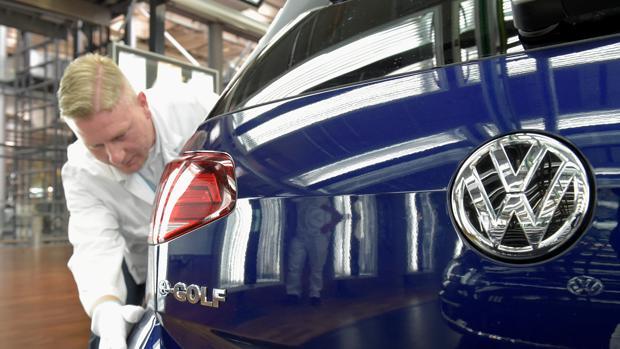 Montaje de una versión eléctrica del Volkswagen Golf