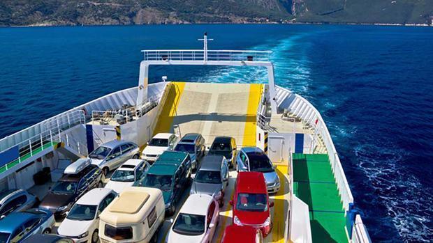 Ferry transporta vehículos con destino a Mallorca