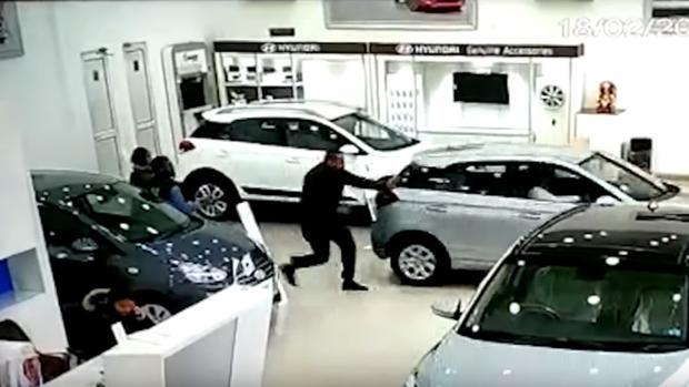 Captura del momento del accidente en un vídeo subido a YouTube