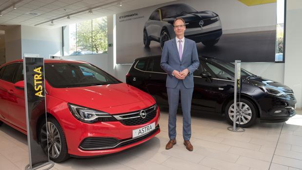Lohscheller (Opel): «Los coches eléctricos no solo son verdes; también muy divertidos»