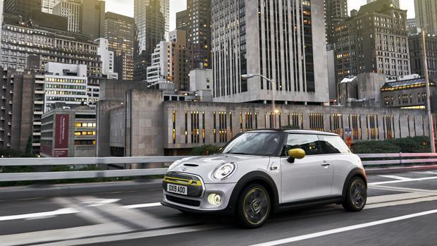 Conocemos todos los detalles del Mini Cooper SE: el eléctrico para disfrutar de la ciudad