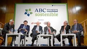 Participantes de la primera mesa del II Encuentro ABC Sostenible sobre movilidad