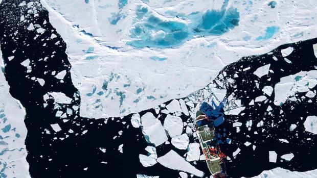 La isla de basura del Pacífico y la pesca disparan los niveles de microplástico en el Ártico