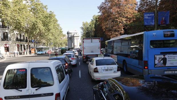 Idean cómo convertir la basura plástica en combustible de hidrógeno para los automóviles