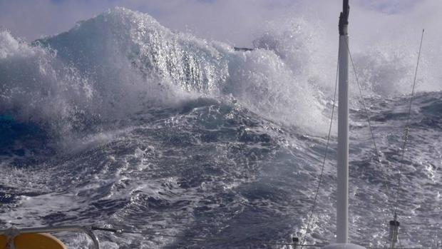 El calentamiento del océano está haciendo que la energía de las olas sea cada vez mayor