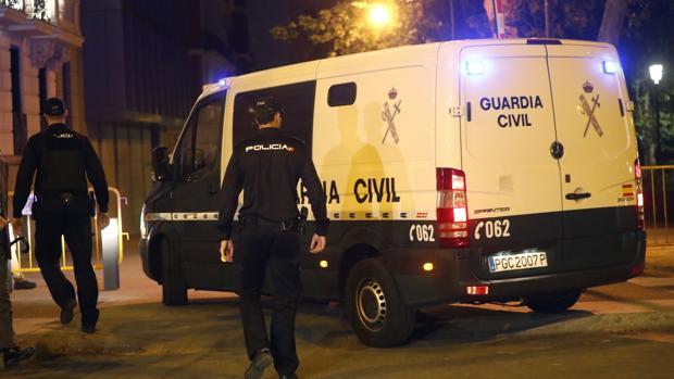 La Guardia Civil, en el momento de llevarse a Jordi Pujol Ferrusola a la cárcel de Soto del Real