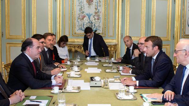 «Macron ha expresado su apoyo total al Parlamento venezolano»