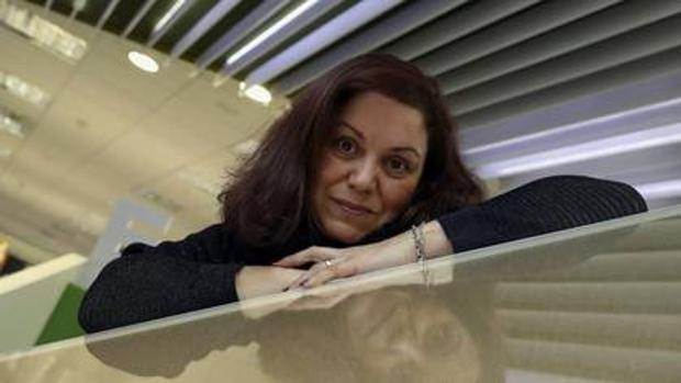 La escritora Care Santos tras ganar el Nadal