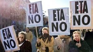 Una manifestación en el año 2000 celebrada en Madrid contra la banda terrorista ETA