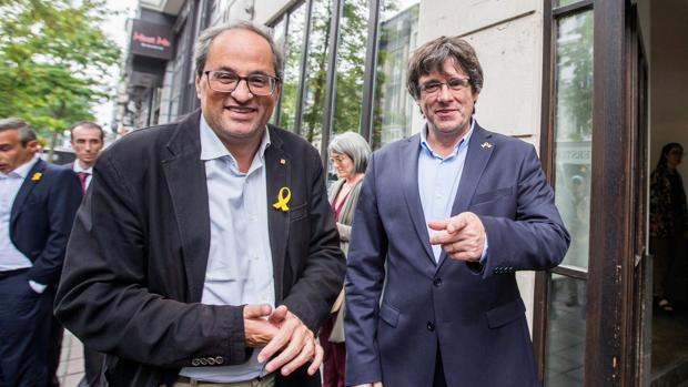 Quim Torra y Carles Puigdemont posan antes de su reunión en Bruselas en septiembre