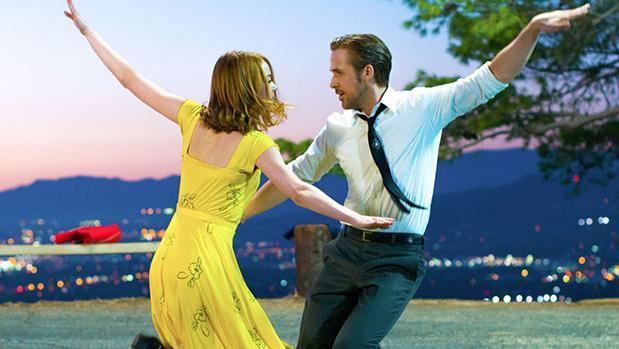 Derroche de química entre Ryan Gosling y Emma Stone en el primer tráiler completo de «La La Land»