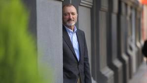 Pérez-Reverte escribe para Televisa la vida de «un narco del siglo XXI, de cuello blanco»