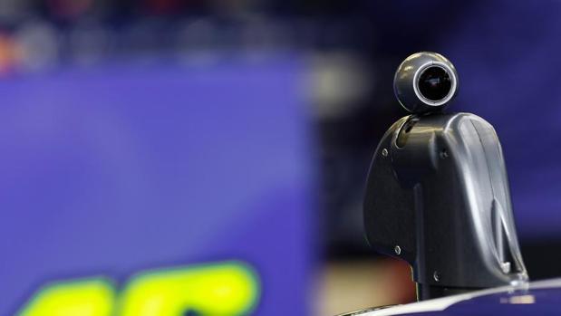 La cámara giroscópica raliza un movimiento de 360 grados