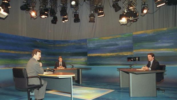 Debate electoral entre Felipe González y José María Aznar moderado por Manuel Campo Vidal