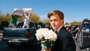 Jacob Staudenmaier recrea el atasco de «La La Land» para pedirle una cita a Emma Stone