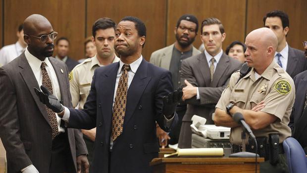 «American Crime Story: The People v. O. J. Simpson» relata la historia real de uno de los juicios más polémicos y mediáticos de la historia