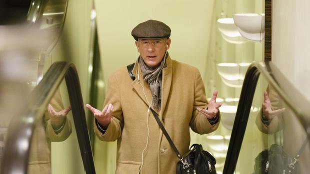 Norman (Richard Gere), un ejecutivo arribista y con más inventiva que clientes