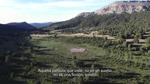 Una de las imágenes de «Sad Hill Unearthed» donde se muestra la localización de la escena final de «El bueno, el feo y el malo»
