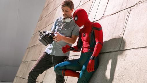 Jon Watts y Tom Holland durante el rodaje de Spider-man