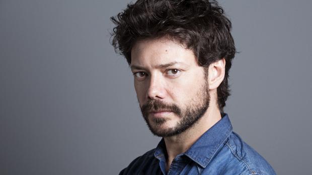 Álvaro Morte interpreta a «El Profesor» en la exitosa serie de Antena 3, «La casa de papel»