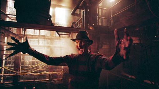 Robert Englund, como Freddy Krueger en «Pesadilla en Elm Streer»