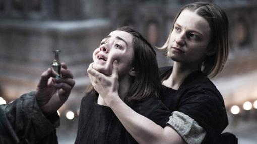 Arya Stark deserta de la secta de asesinos llamada Dios de los Muchos Rostros