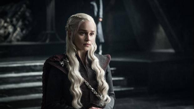 Daenerys Targaryen llega a su hogar, Rocadragón
