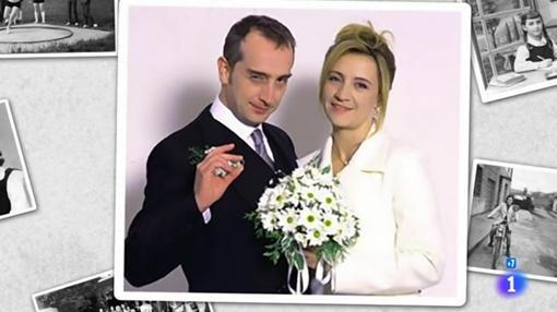 Fotograma de la boda de Carlota y Gonzalo en «7 vidas»