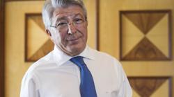 Enrique Cerezo en su despacho