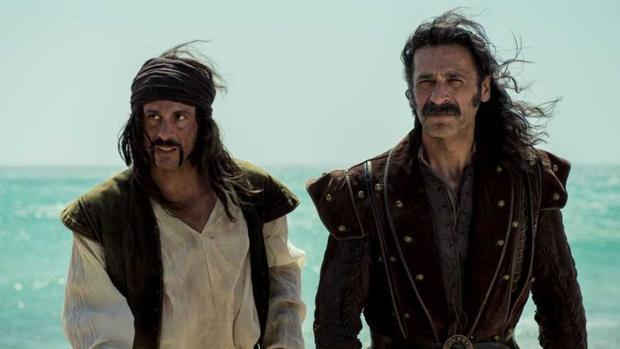 Pacino (Hugo Silva) y Alonso (Nacho Fresneda) en el capítulo 29 de El Ministerio del Tiempo