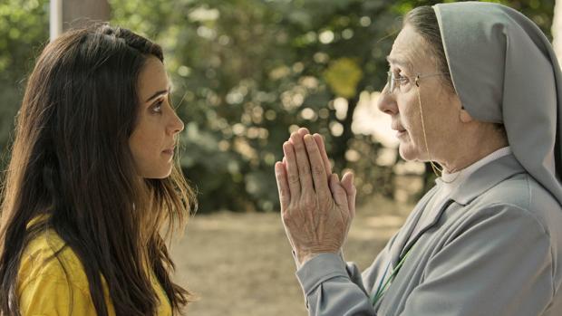 Una escena del filme con macarena García y Gracia Olayo
