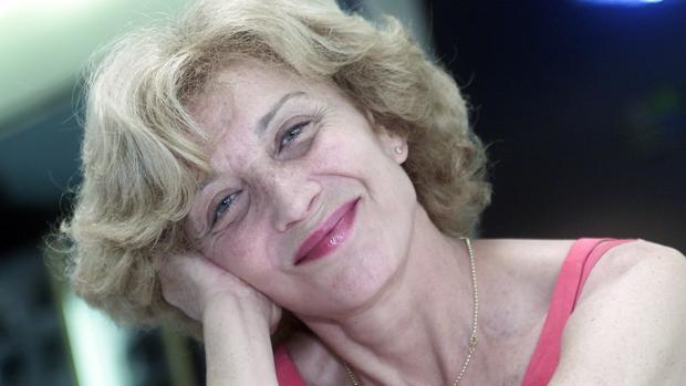 Marisa Paredes, en una imagen de archivo de 2003, tras ser reelegida presidenta de la Academia de Cine