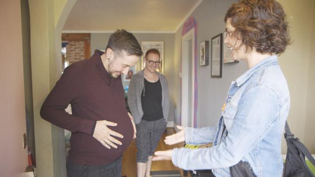 El primer episodio de «Samanta y...» está dedicado a la maternidad