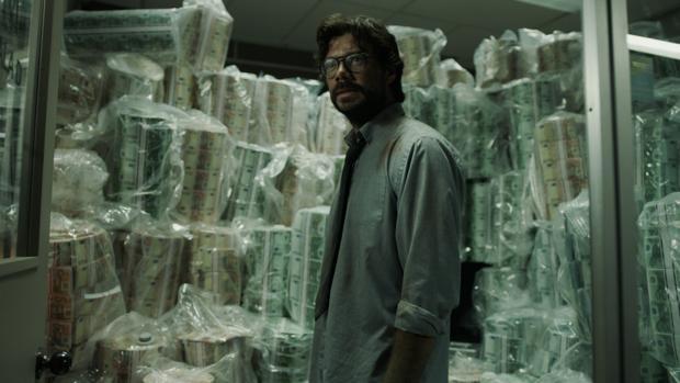 El Profesor y los suyos tratarán de escabullirse de la Policía y llevarse el botín en el último capítulo de «La casa de papel»
