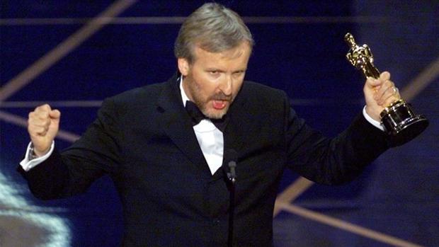 James Cameron con su Oscar