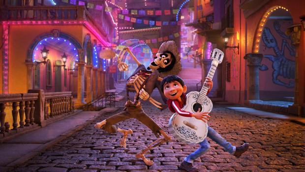 Héctor y Miguel, dos de los protagonistas de «Coco»