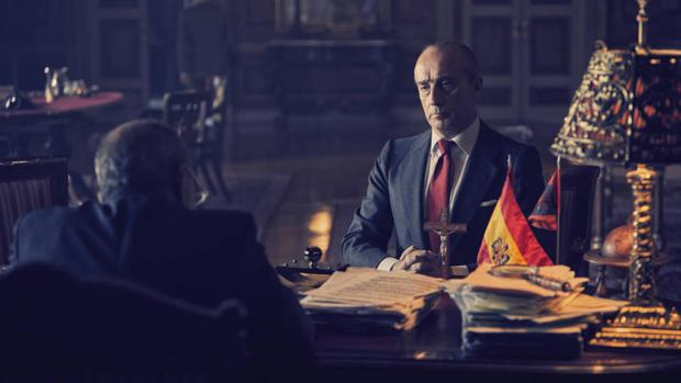 Gonzalo Castro como Torcuato Fernández-Miranda