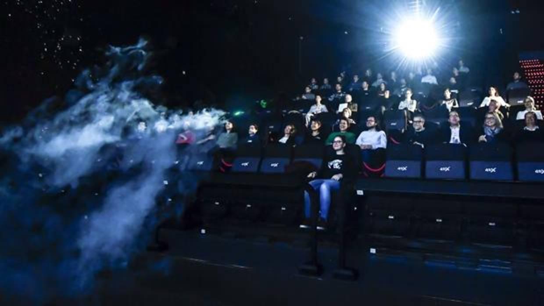 Llegan a espa a las primeras salas de cine en cuatro for Sala 25 kinepolis madrid