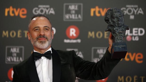 Javier Gutiérrez posa con el Goya a mejor actor