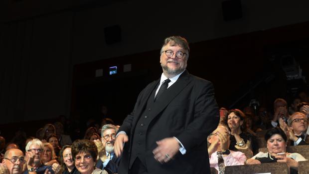Guillermo del Toro estrena este viernes en España «La forma del agua», favorita a los Oscar