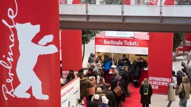 Imágenes de la venta de entradas del festival, que ha sacado más de 300.000 pases para 400 películas