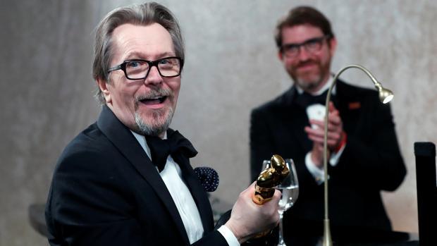 Gary Oldman, con su Oscar por «El instante más oscuro»