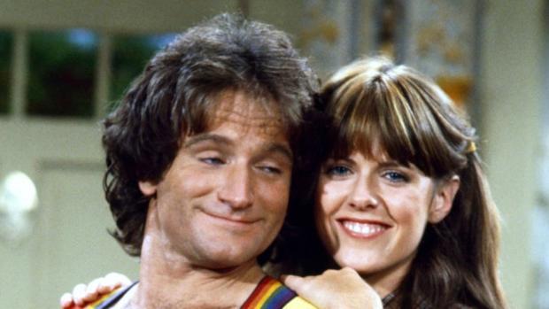 Robin Williams y Pam Dawber en «Mork & Mindy»