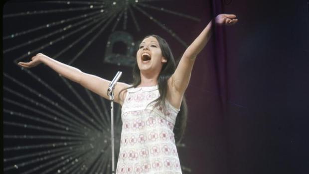 Masiel durante su actuación en el Festival de Eurovisión